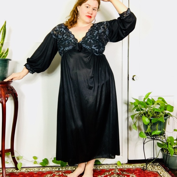 plus size nightgown Vintage